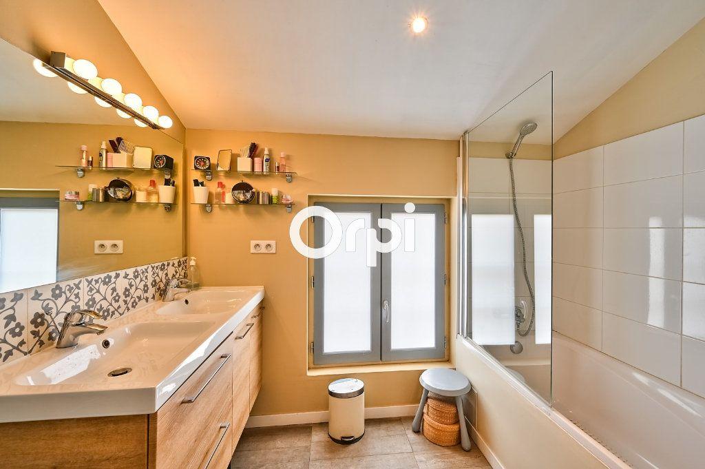 Appartement à vendre 4 122m2 à Lyon 4 vignette-8