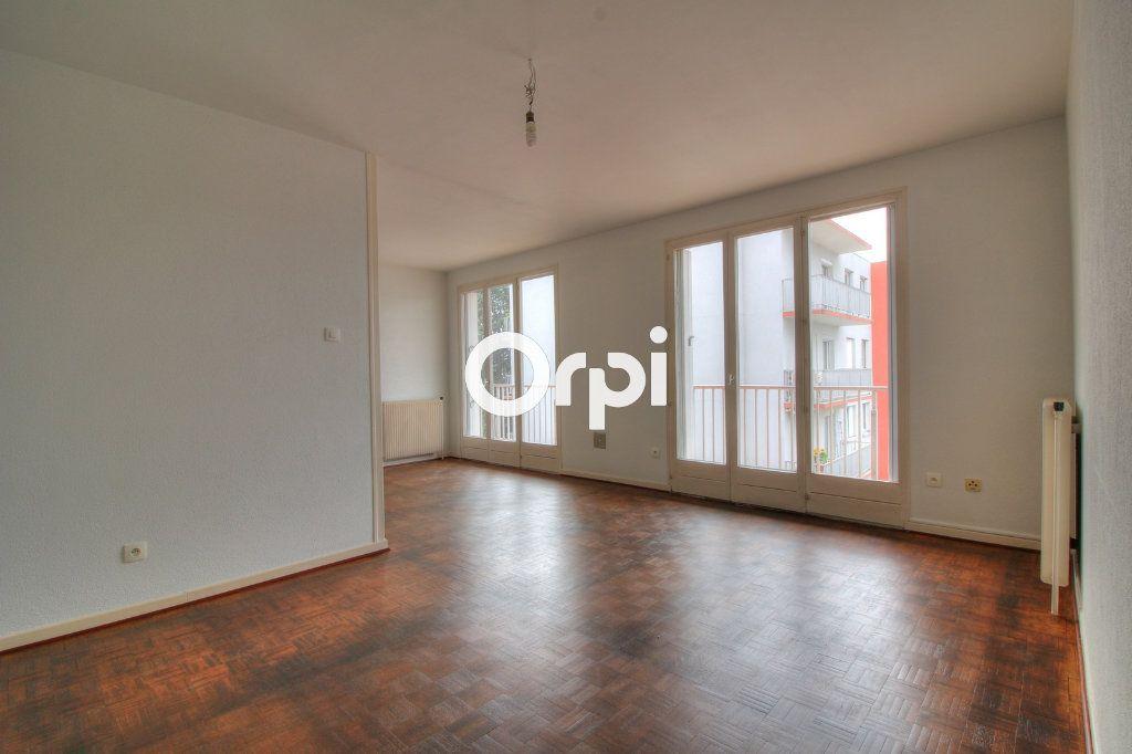 Appartement à vendre 2 57m2 à Meyzieu vignette-5