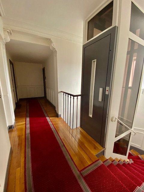 Appartement à louer 2 24m2 à Boulogne-Billancourt vignette-6