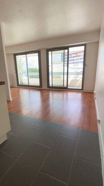 Appartement à louer 2 31m2 à Boulogne-Billancourt vignette-1