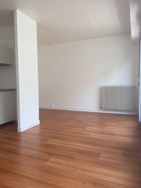 Appartement à louer 2 31m2 à Boulogne-Billancourt vignette-4