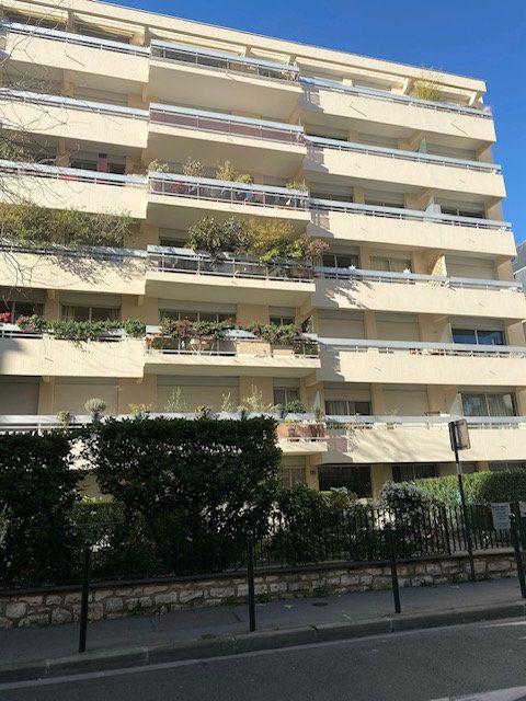 Appartement à louer 2 31m2 à Boulogne-Billancourt vignette-5