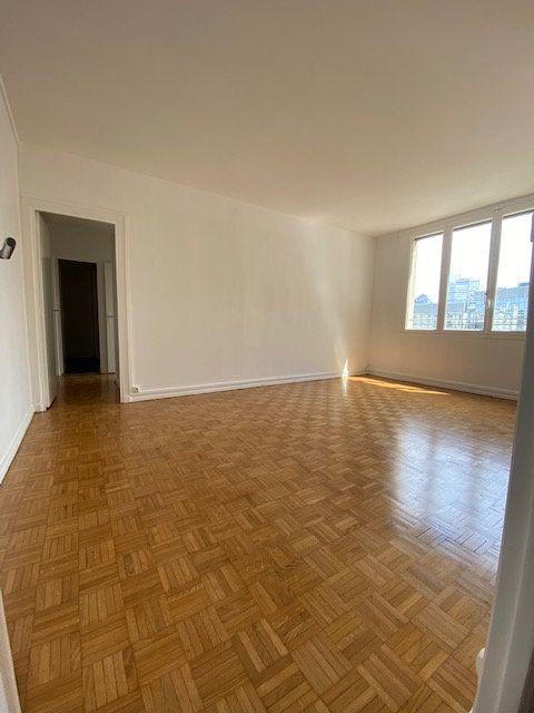 Appartement à louer 3 63m2 à Boulogne-Billancourt vignette-1