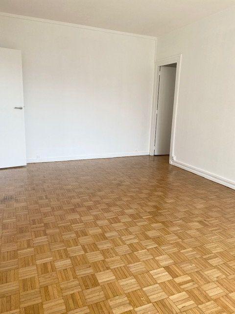 Appartement à louer 3 63m2 à Boulogne-Billancourt vignette-2