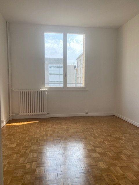 Appartement à louer 3 63m2 à Boulogne-Billancourt vignette-6