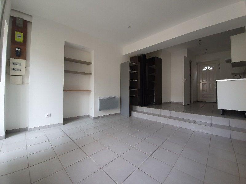Appartement à louer 1 24.8m2 à Veneux-les-Sablons vignette-1