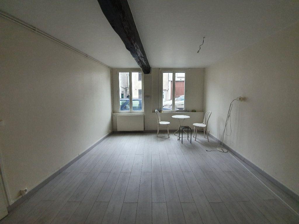 Appartement à louer 2 36m2 à Moret-sur-Loing vignette-2