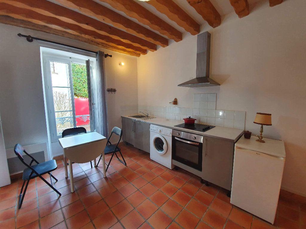Appartement à louer 1 22m2 à Veneux-les-Sablons vignette-1