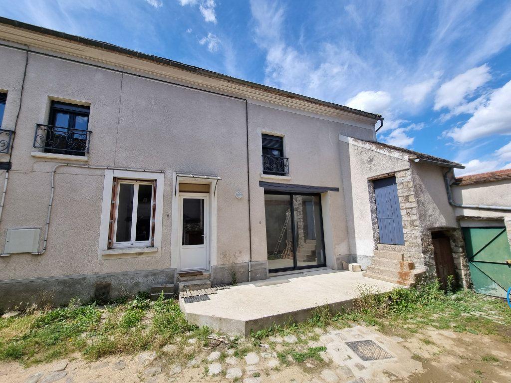 Maison à vendre 5 97m2 à Veneux-les-Sablons vignette-1