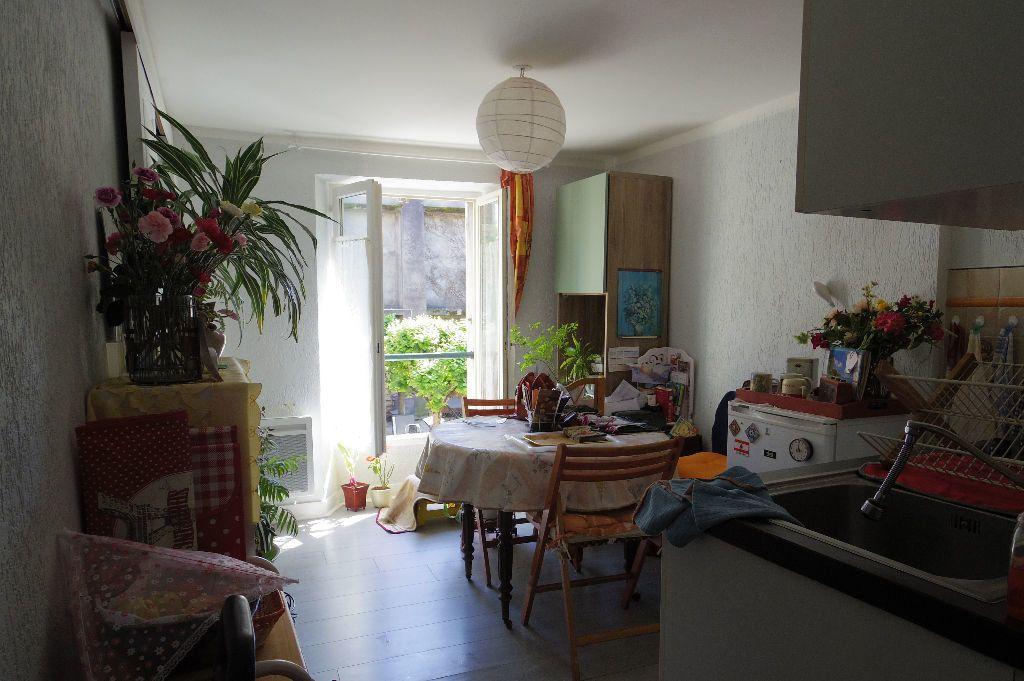 Appartement à vendre 2 25m2 à Moret-sur-Loing vignette-1
