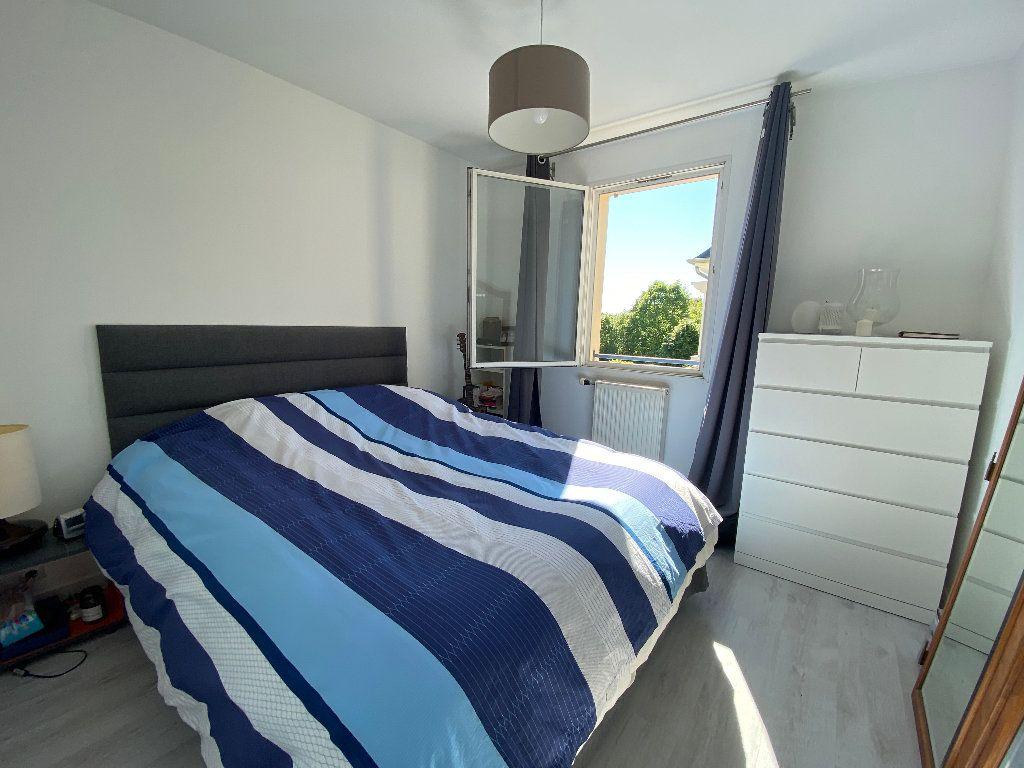 Appartement à louer 3 63.81m2 à Moret-sur-Loing vignette-6