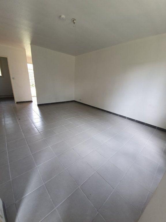 Appartement à louer 1 30m2 à Moret-sur-Loing vignette-3
