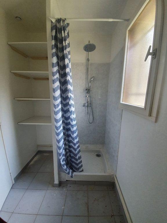 Appartement à louer 1 30m2 à Moret-sur-Loing vignette-5