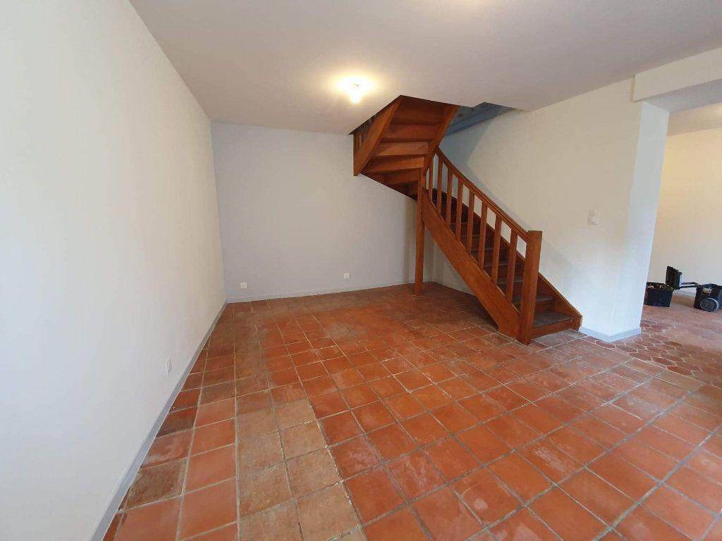 Maison à louer 4 72m2 à Veneux-les-Sablons vignette-1