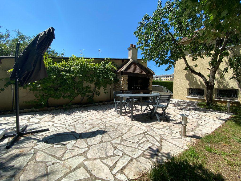 Maison à vendre 8 180m2 à Champagne-sur-Seine vignette-2