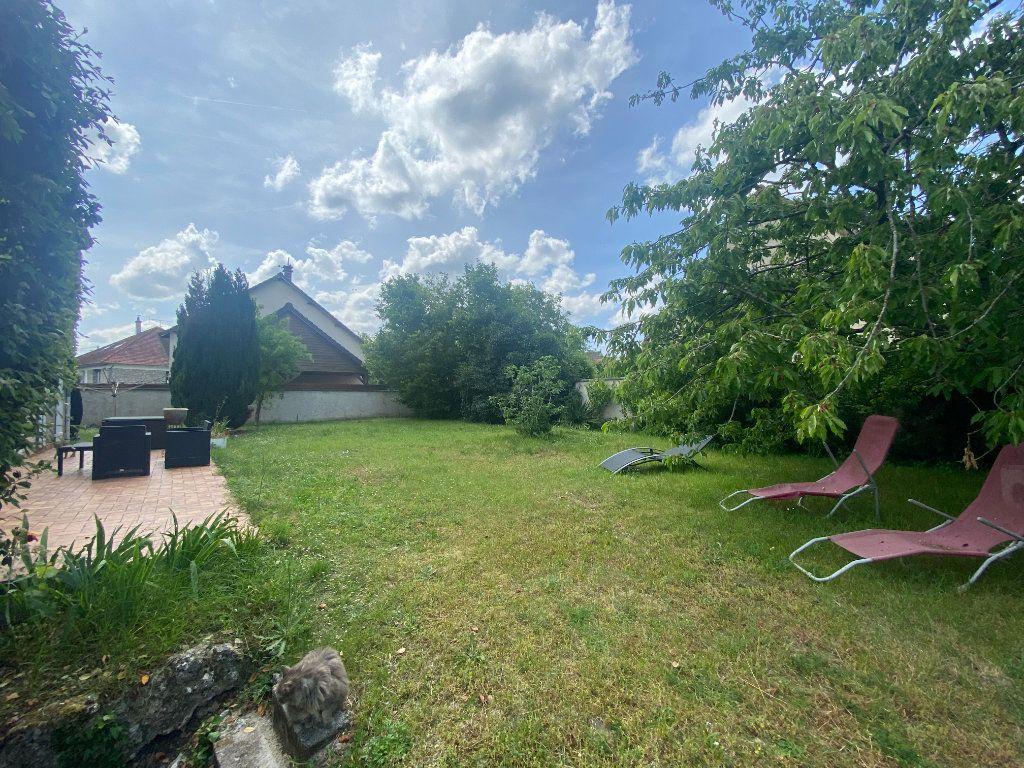 Maison à vendre 8 150m2 à Moret-sur-Loing vignette-16