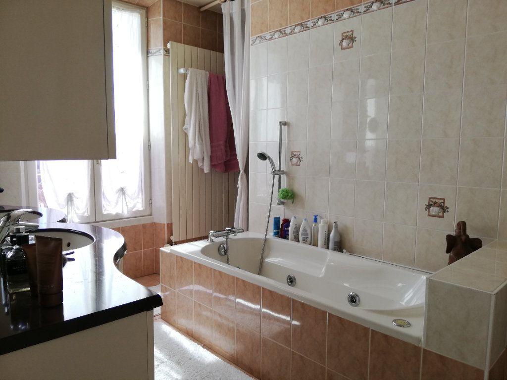 Maison à vendre 11 273m2 à Moret-sur-Loing vignette-8