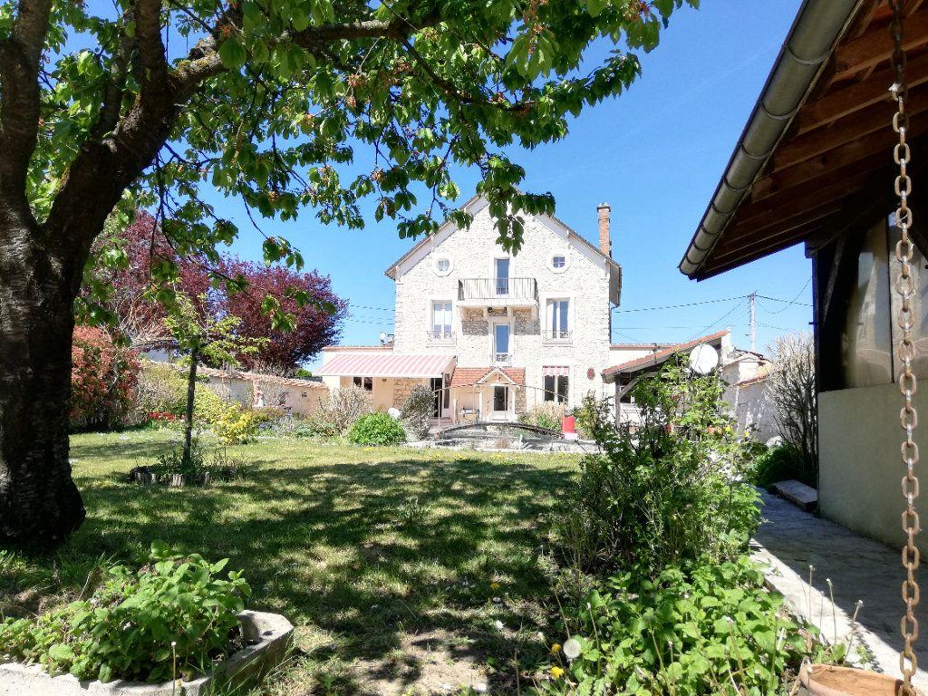 Maison à vendre 11 273m2 à Moret-sur-Loing vignette-13