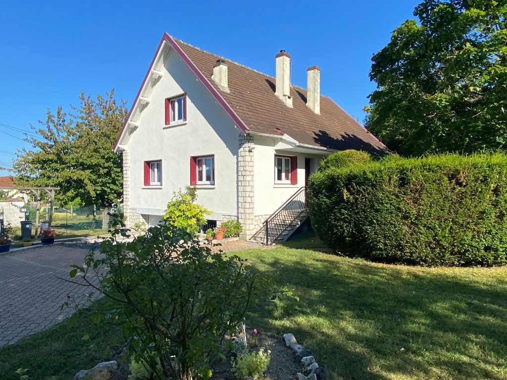 Maison à vendre 6 157m2 à Moret-sur-Loing vignette-1