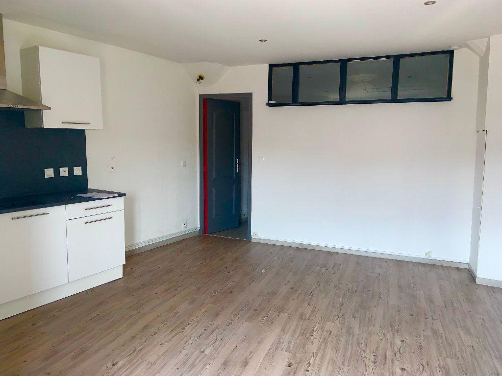 Appartement à louer 2 34.37m2 à Écuelles vignette-1