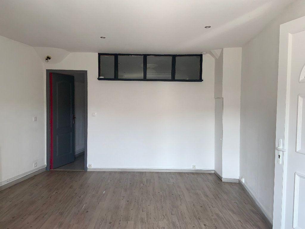 Appartement à louer 2 34.37m2 à Écuelles vignette-2