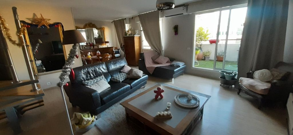 Appartement à vendre 5 130m2 à Marseille 6 vignette-2