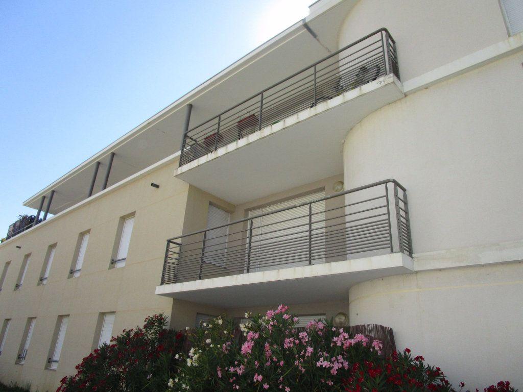 Appartement à louer 3 60.73m2 à Avignon vignette-5