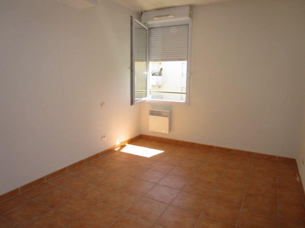 Appartement à louer 3 60.73m2 à Avignon vignette-7