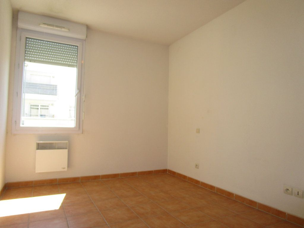 Appartement à louer 3 60.73m2 à Avignon vignette-8