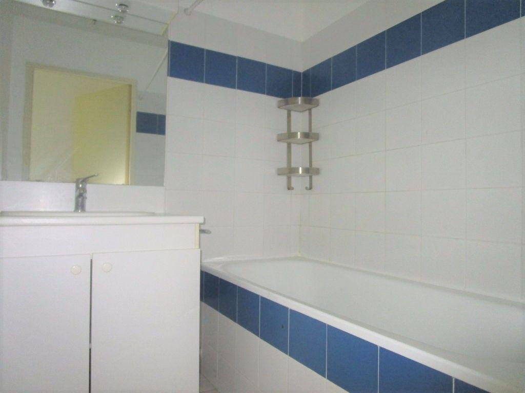 Appartement à louer 2 48m2 à Montfavet - Avignon vignette-5