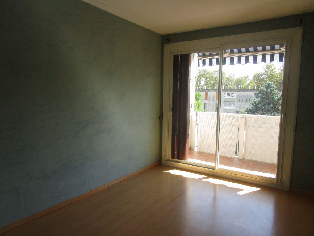 Appartement à louer 3 61m2 à Avignon vignette-6
