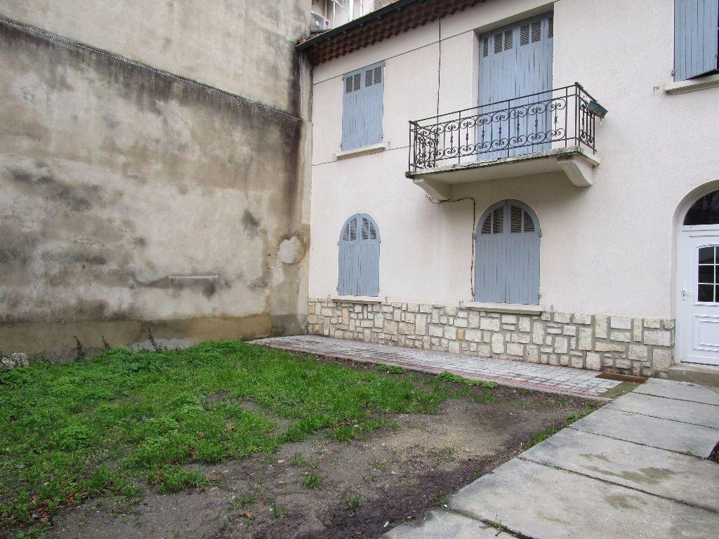 Appartement à louer 3 47.59m2 à Avignon vignette-7