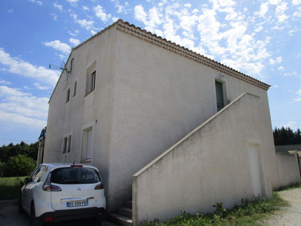 Appartement à louer 4 111m2 à Saint-Saturnin-lès-Avignon vignette-17
