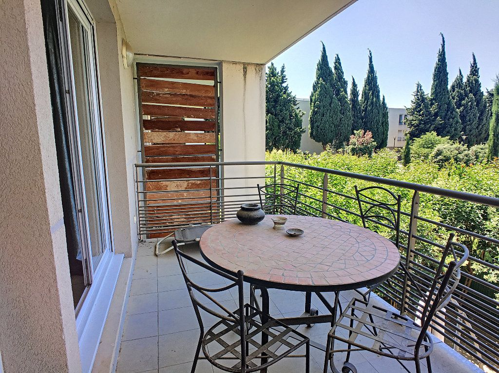 Appartement à vendre 3 65.35m2 à Avignon vignette-3