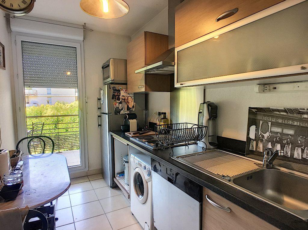 Appartement à vendre 3 65.35m2 à Avignon vignette-4