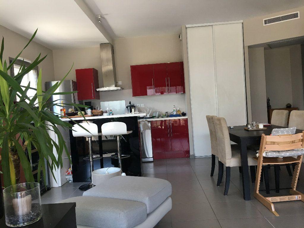 Appartement à louer 4 82.9m2 à Avignon vignette-7