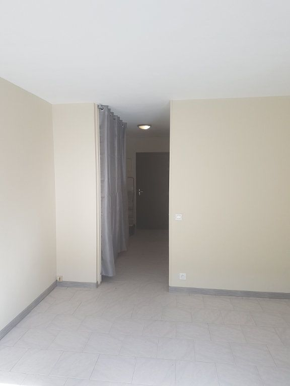 Appartement à louer 1 29.79m2 à Avignon vignette-5