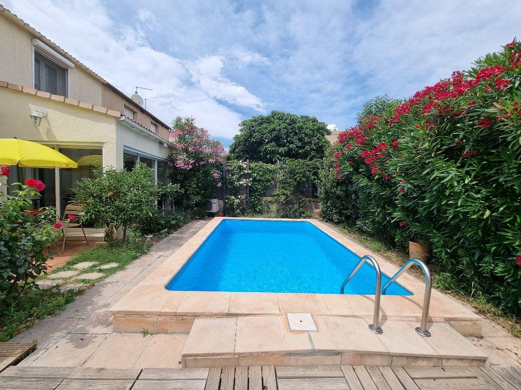 Maison à vendre 4 105m2 à Avignon vignette-1