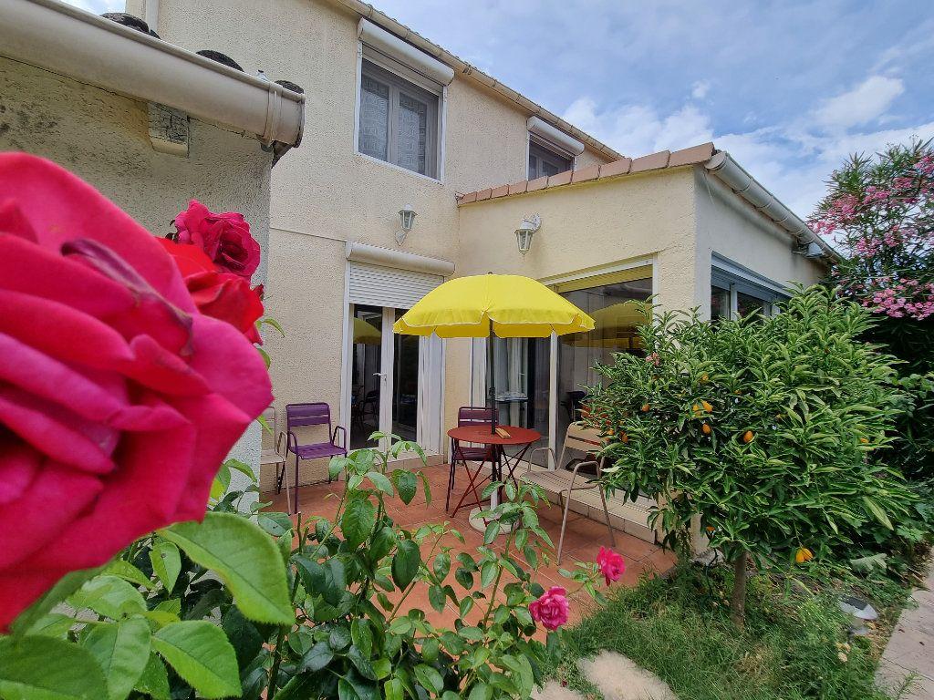 Maison à vendre 4 105m2 à Avignon vignette-3