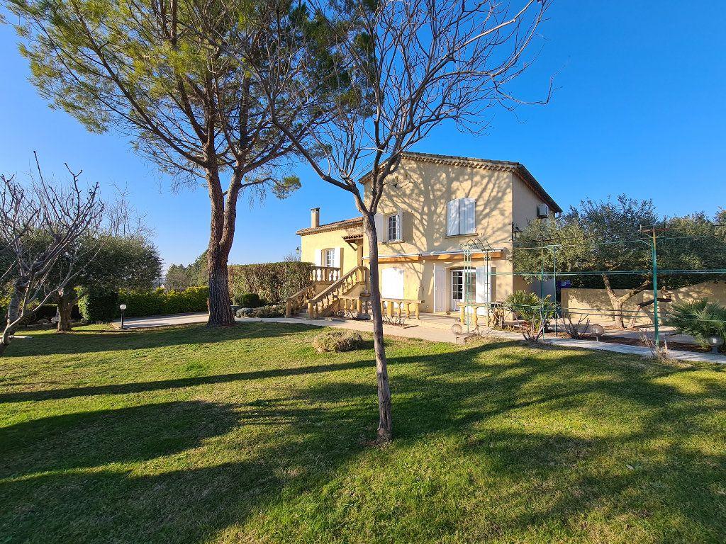 Maison à vendre 6 153m2 à Morières-lès-Avignon vignette-1