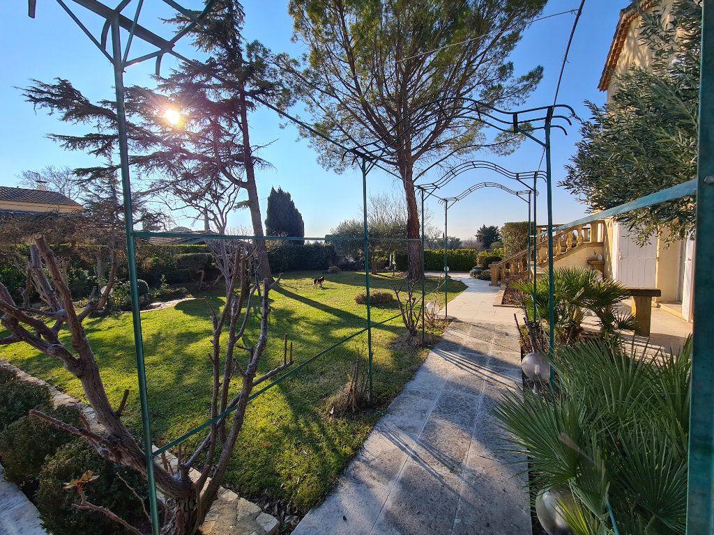 Maison à vendre 6 153m2 à Morières-lès-Avignon vignette-3