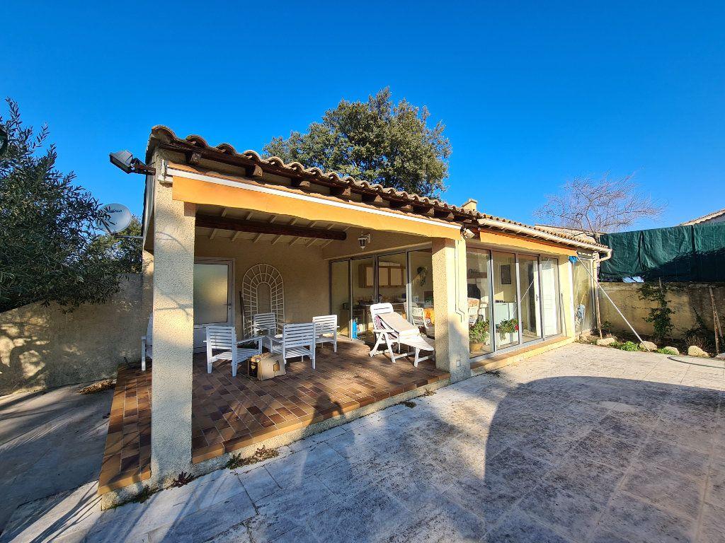 Maison à vendre 6 153m2 à Morières-lès-Avignon vignette-4