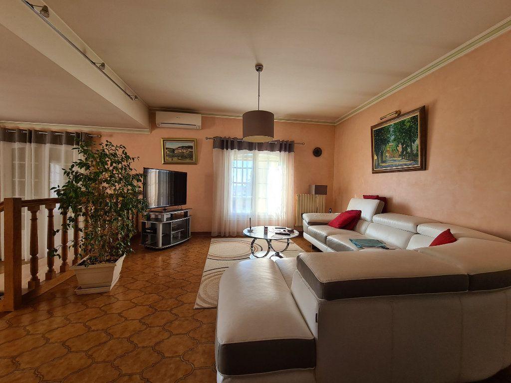 Maison à vendre 6 153m2 à Morières-lès-Avignon vignette-9