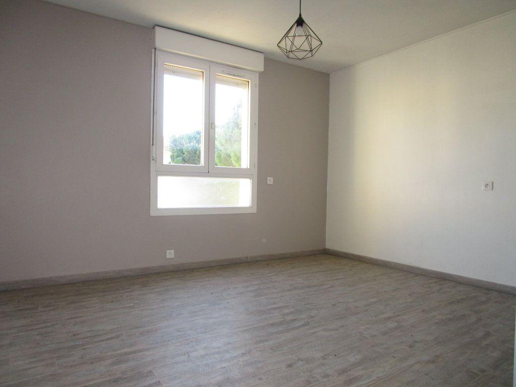 Appartement à louer 1 21.37m2 à Avignon vignette-4