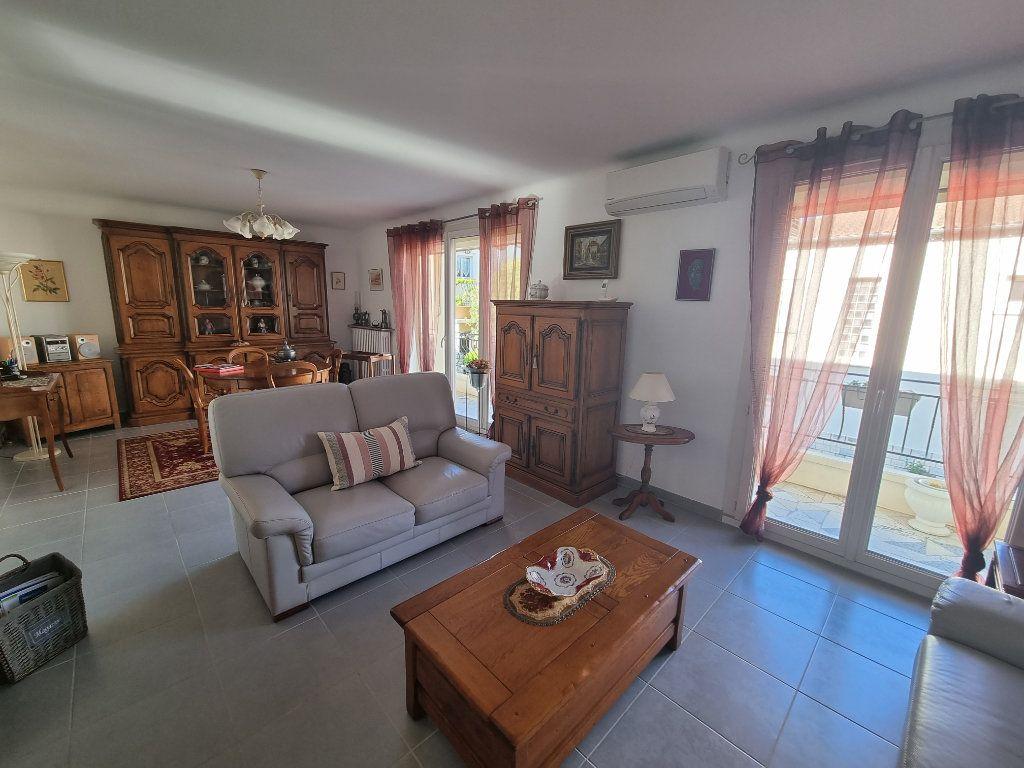 Appartement à vendre 4 77m2 à Avignon vignette-1
