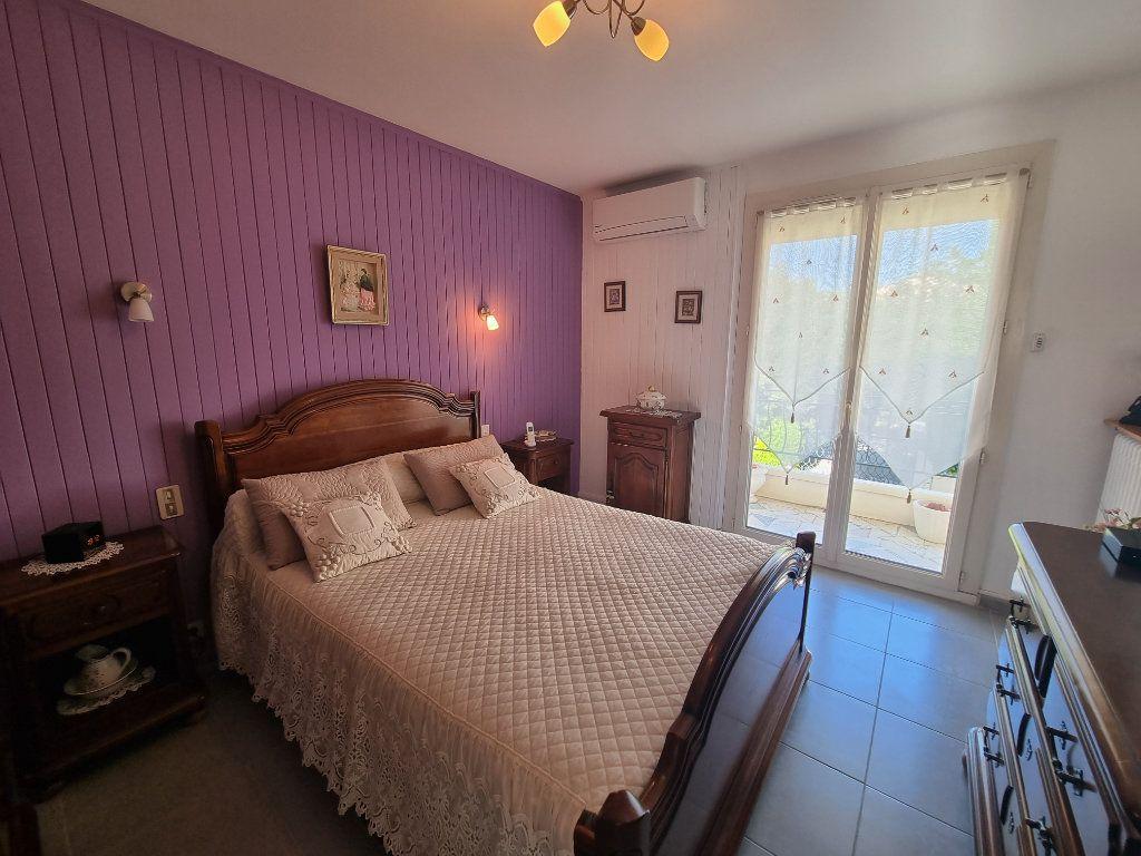 Appartement à vendre 4 77m2 à Avignon vignette-7