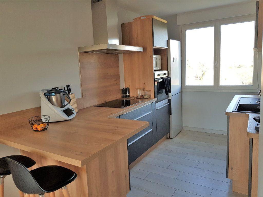 Appartement à louer 3 70.73m2 à Montfavet - Avignon vignette-1