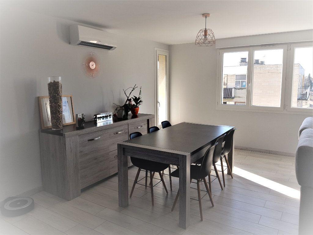 Appartement à louer 3 70.73m2 à Montfavet - Avignon vignette-2