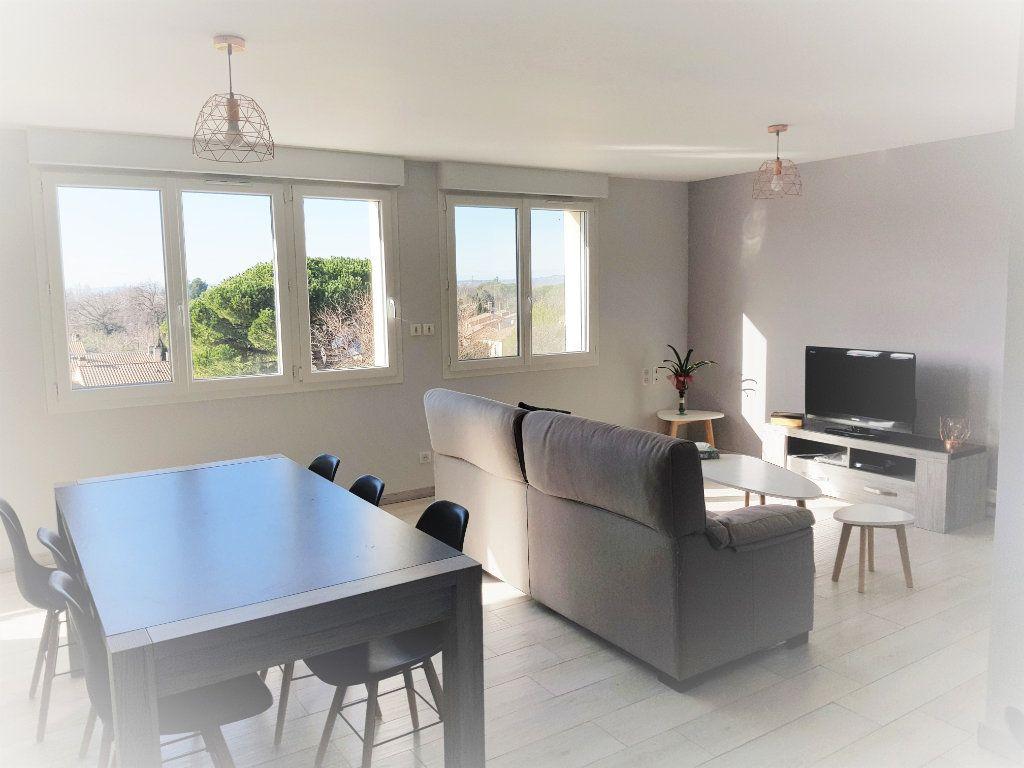Appartement à louer 3 70.73m2 à Montfavet - Avignon vignette-4
