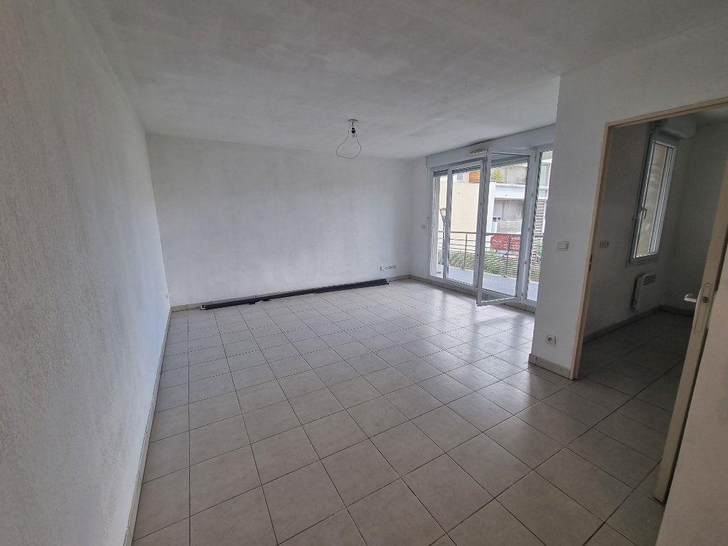 Appartement à vendre 3 63.5m2 à Avignon vignette-4
